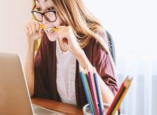 أهم الإيجابيات والسلبيات للإنترنت في حياة الطلاب و دراستهم تعرف عليها الآن..